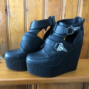 Creeper heel platform shoes vegan leather size 7